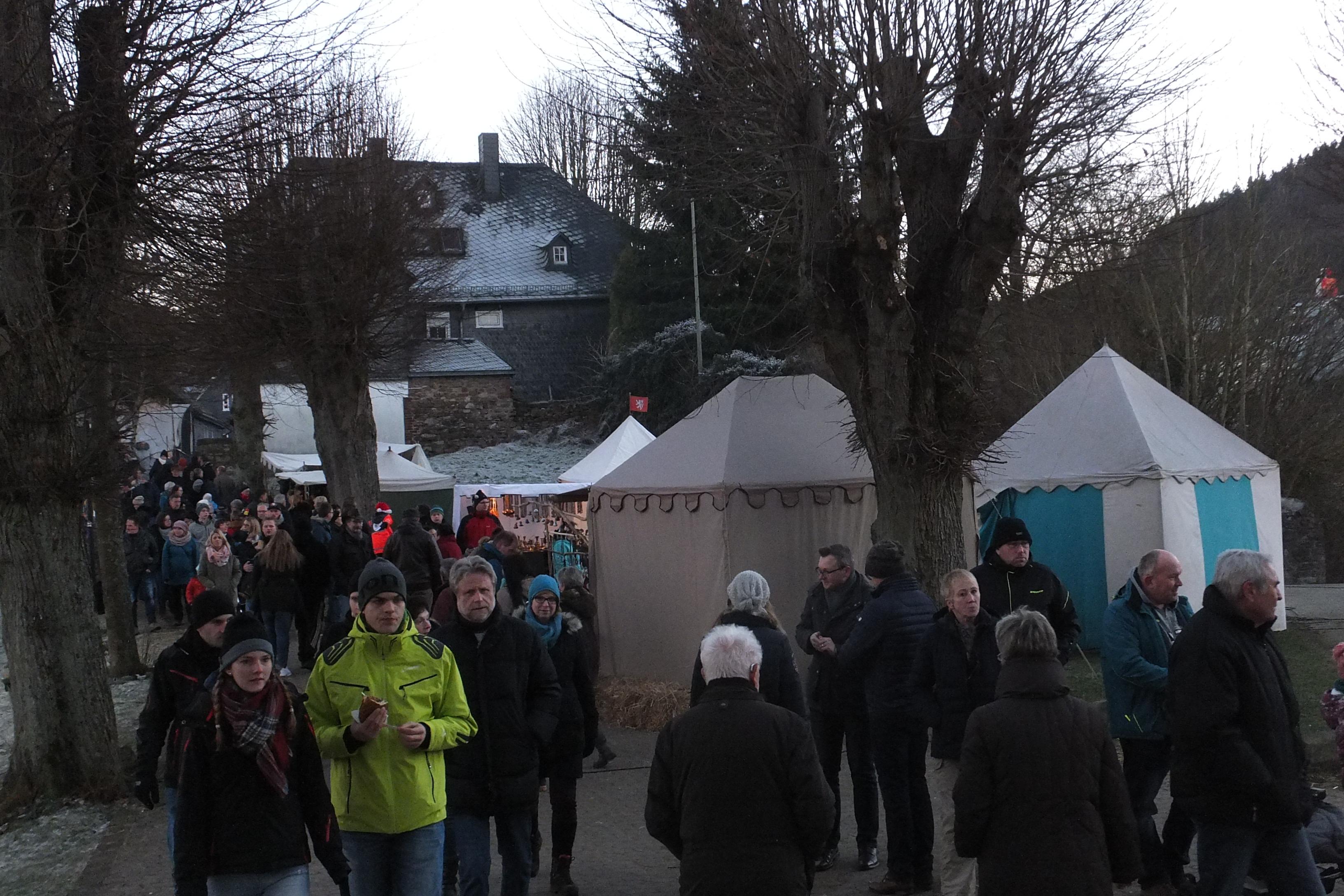 Weihnachtsmarkt Burbach 3.und 4.Dez. 2016 129 (002)